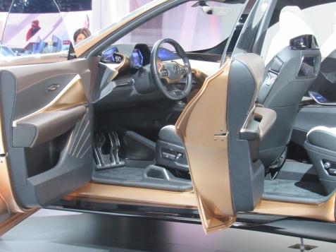 Lexus LF-1 Limitless Interior